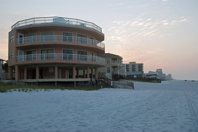 BeachHouse01