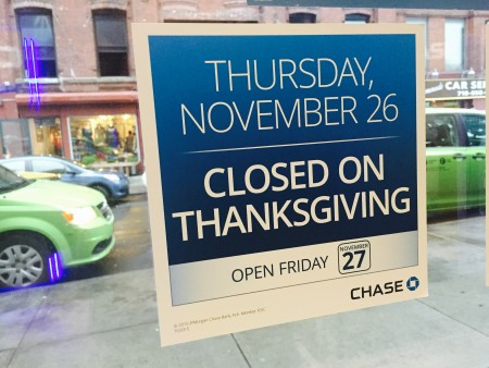 Thanksgiving day bank hours