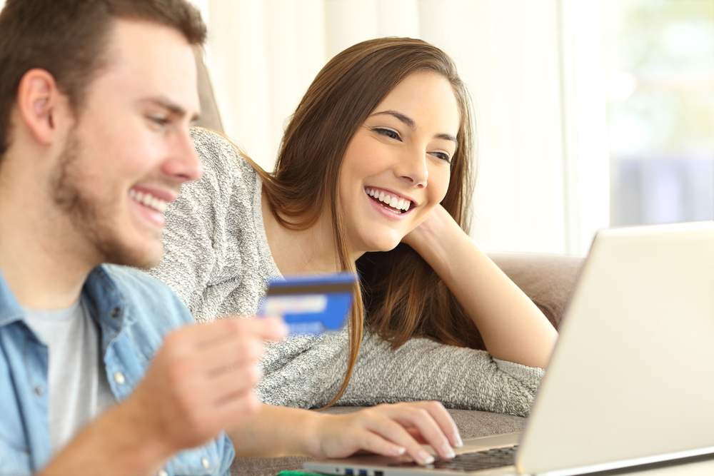 Should Teens Be Allowed to Use Credit Cards?