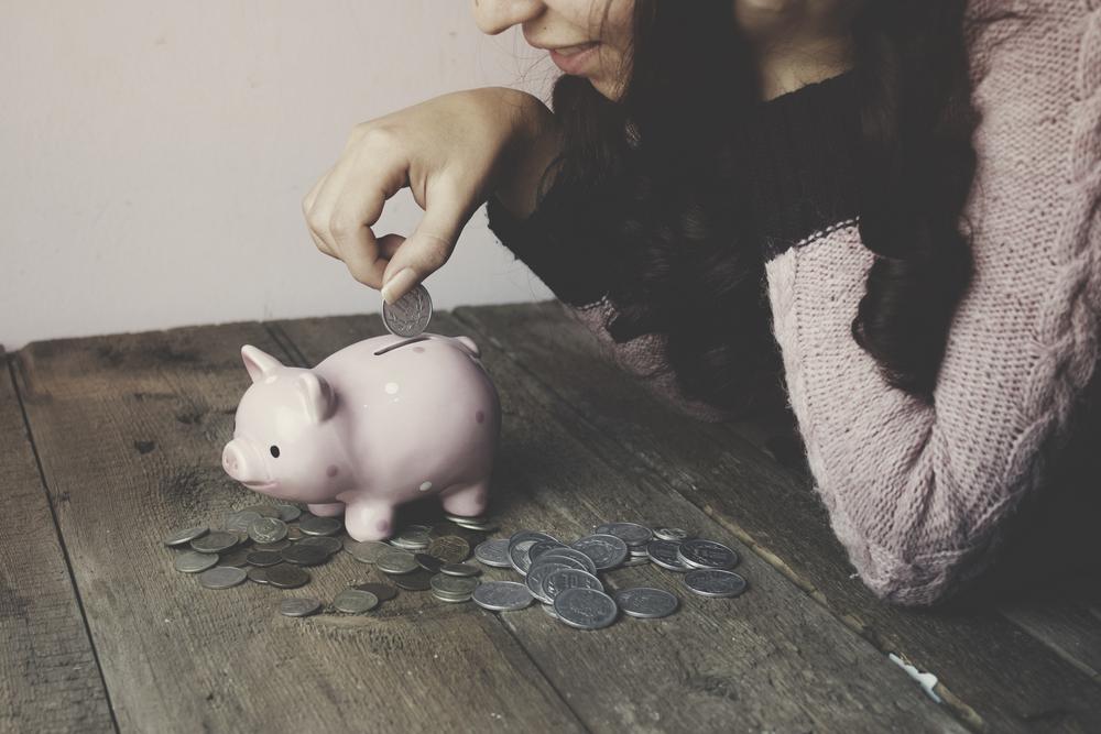 money market accounts comparison to savings