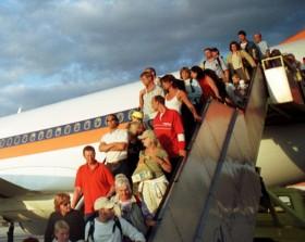 airplane vacationers