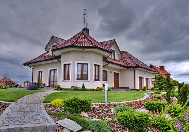 Buy a Foreclosure Despite the Storm Clouds by Marek Kowalik