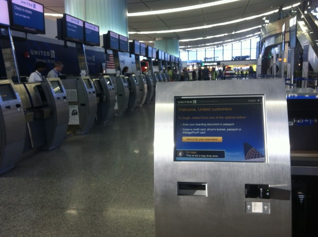 united-check-in-kiosks