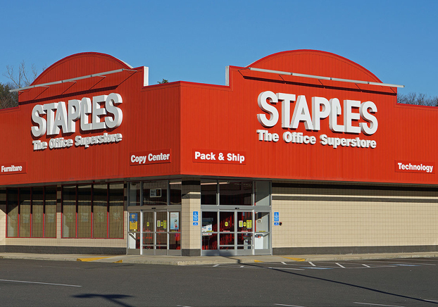 Staples, the United States' biggest office supply retailer announced that by the end of 2015 it will close up to 225 stores