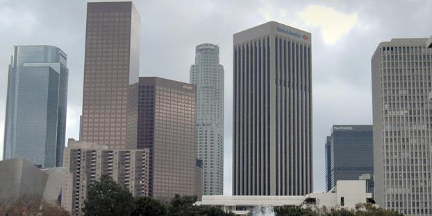 controlling big banks image