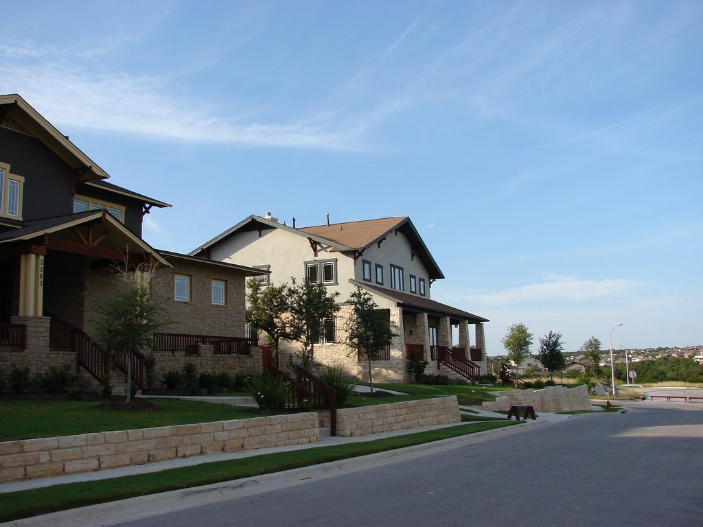 What is Better to Buy an Old House or New Construction?