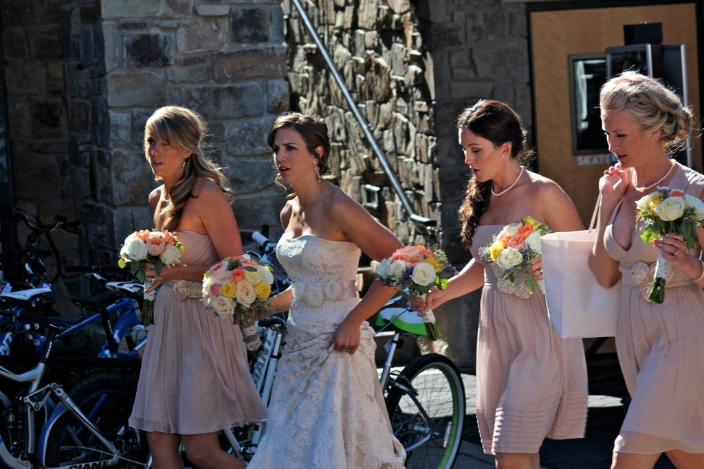 How to Graciously Decline Being In a Friend's Wedding If You're Broke