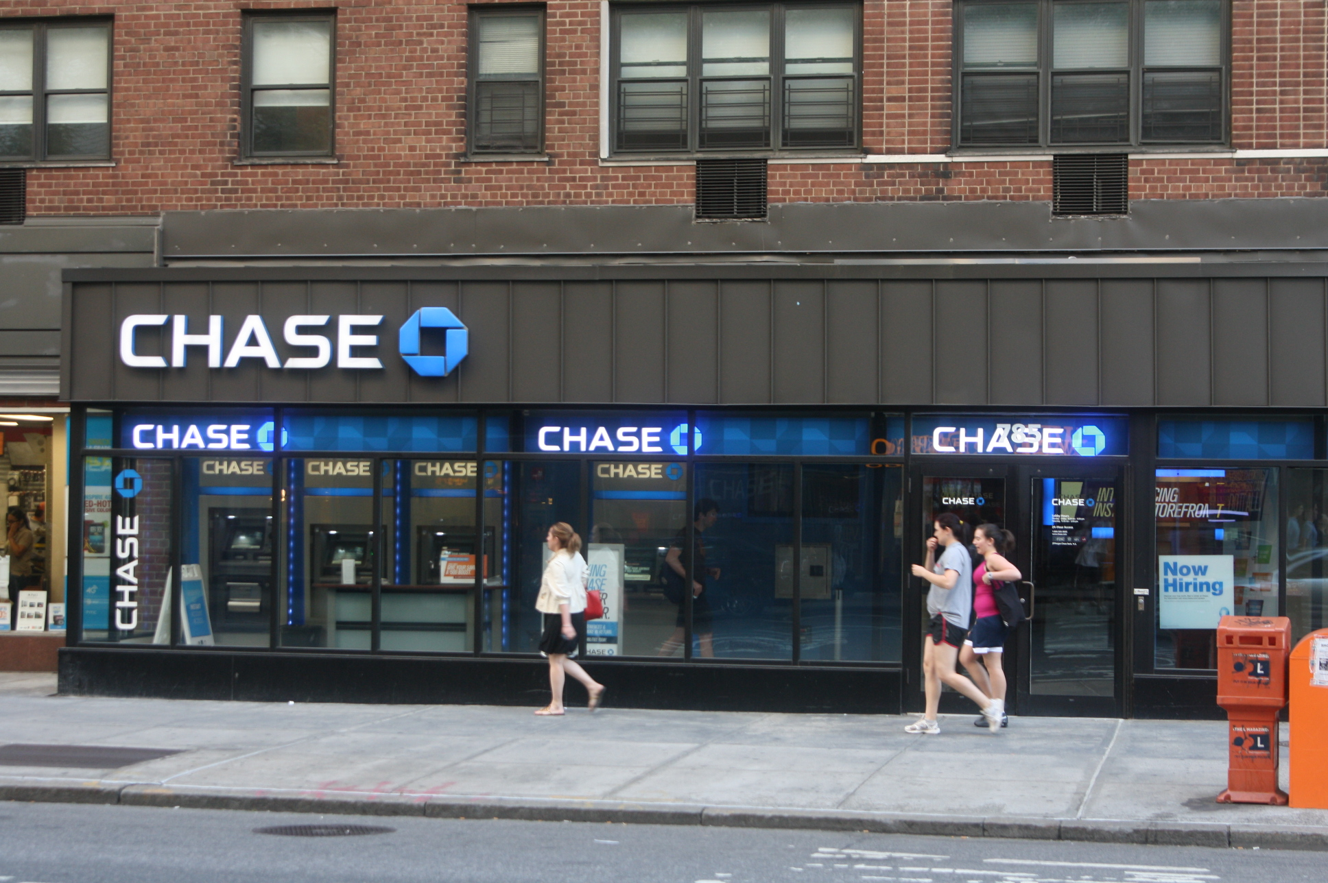 Chase Checking Account Compared to Online Banks
