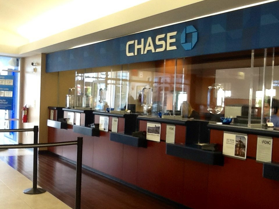 5 Worst Bank Teller Mistakes of All Time