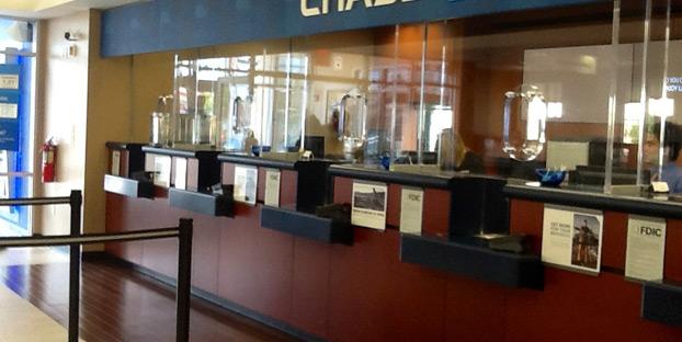 bank teller mistakes image