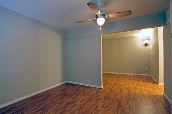House Austin living room