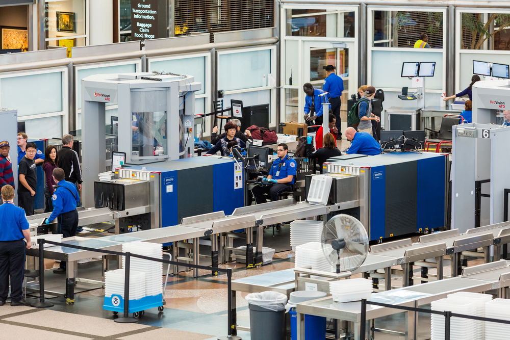 Best TSA Mobile Apps to Check In on Airport Security Line Wait Times