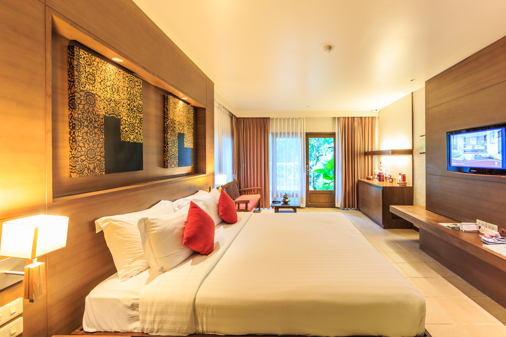 Best Hotel Credit Cards According to A Travel Expert
