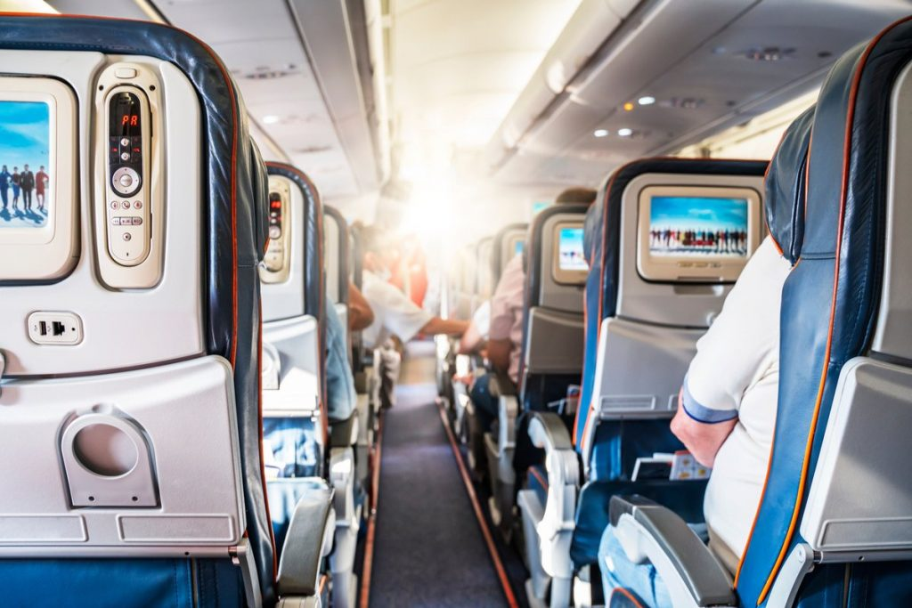 Delta SkyMiles Blue Credit Card Review: Earn Miles on Delta Purchase & Dining