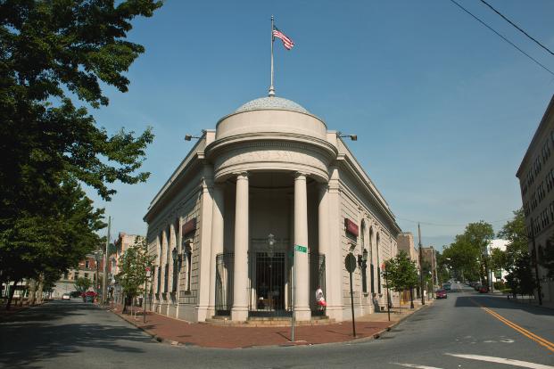 Staten Island Savings Bank, now SI Bank & Trust (81 Water St., Staten Island)
